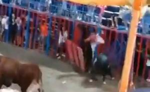 Un menor herido tras caer desde el tendido de la plaza de toros en Tavernes