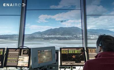 El Gobierno convoca oposiciones para cubrir 65 plazas de controlador aéreo