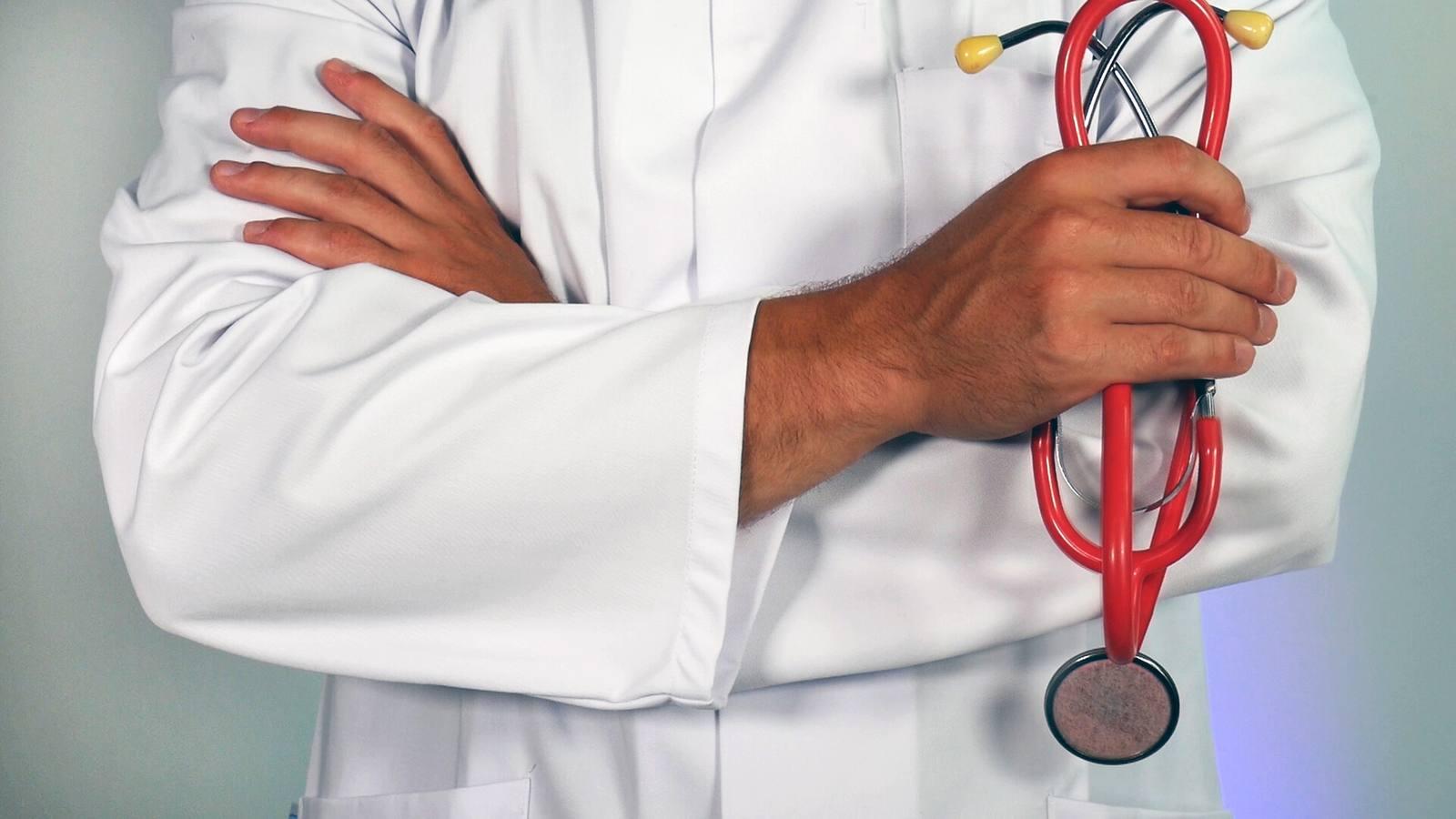 El éxodo de médicos cuesta a la Comunitat Valenciana 15 millones al año