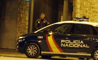 Deja de pagar el alquiler y falsifica la firma de su casero para cobrar las ayudas de la Generalitat y el Ayuntamiento