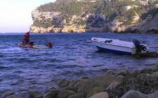 Rescatados siete inmigrantes de una patera frente a la costa de Xàbia