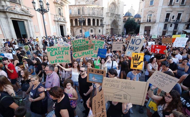 Estudiantes de toda España salen a la calle para protestar contra el cambio climático