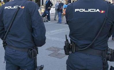 Detienen a un hombre en Valencia por encerrar en el baño a su empleada y tratar de besarla