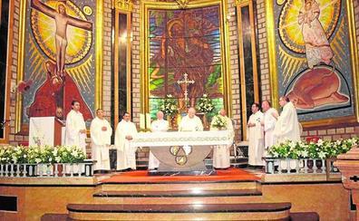 El cura Vicent Cardona conmemora en Picassent sus 50 años dedicados al sacerdocio