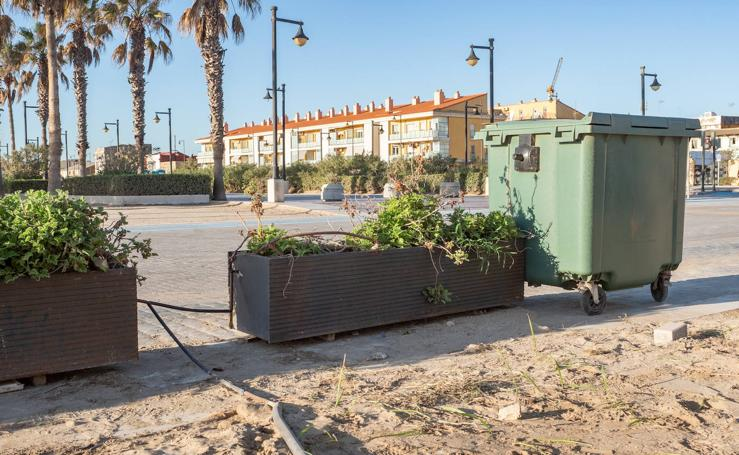 Mal estado del paseo marítimo de Valencia