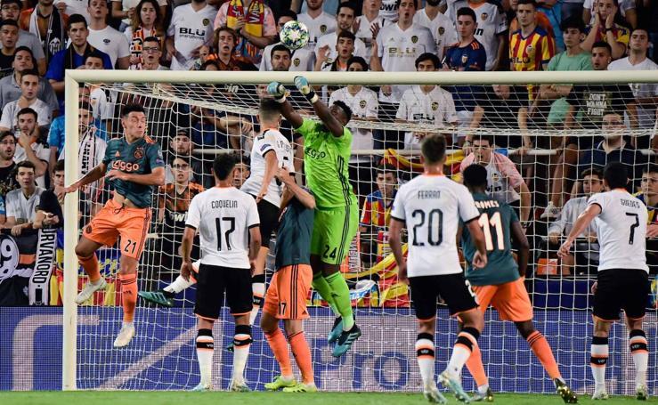 El Valencia-Ajax de Champions, en imágenes