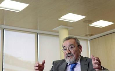 Economía abre la puerta a relevar a González en Feria