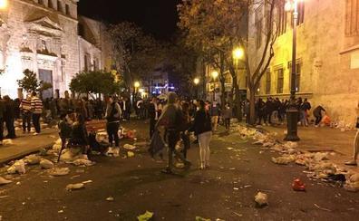 Valencia multará el botellón en las calles cedidas a las fallas para fiestas