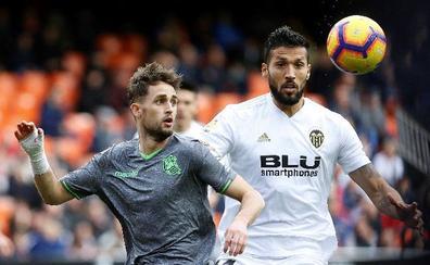 El Valencia paraliza la renovación de Garay