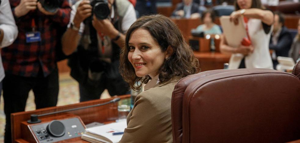 El PP disculpa las declaraciones de Díaz Ayuso sobre la quema de parroquias