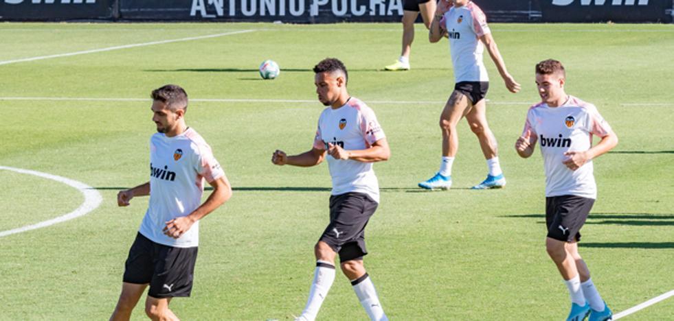 Coquelin y Ferran, convocados para el Valencia-Alavés y Mangala se queda fuera de nuevo