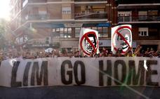 La afición eleva su indignación con Peter Lim