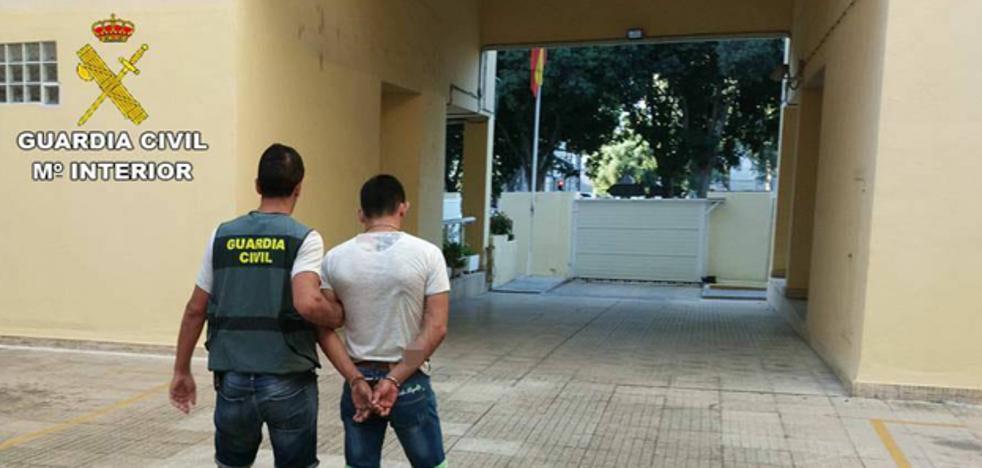 Detenido por cuatro atracos a punta de navaja a mujer en la Marina Alta