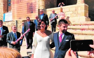 Sandra Gómez se casa en Morella en una boda con 300 invitados