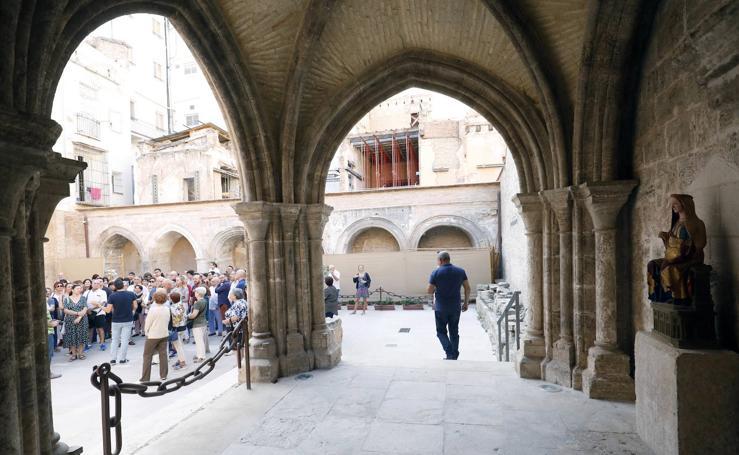Jornada de puertas abiertas en el cementerio medieval de Valencia