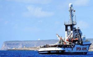 El Open Arms rescata a 40 migrantes en el Mediterráneo