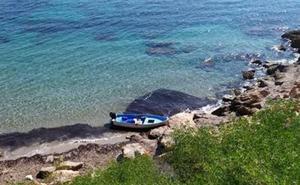 Una nueva patera con 11 personas a bordo llega este lunes a la costa de Alicante
