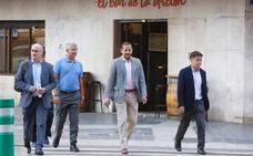 Reunión de Anil Murthy con los empleados del Valencia
