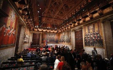 À Punt corta la retransmisiòn del acto institucional del 9 d'Octubre al sonar el himno de España