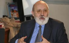 Tezanos rechaza dimitir por pedir el voto para el PSOE: «¿Quién ha dicho que tiene que ser uno neutro?»