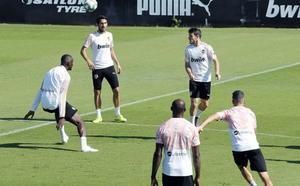 El Valencia convierte la ciudad deportiva en un 'búnker'