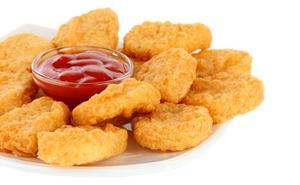 Una chica vegana denuncia a sus amigos por darle nuggets de pollo cuando estaba borracha
