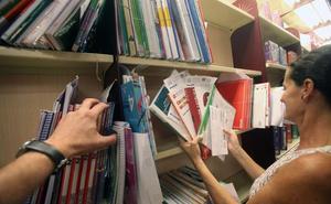 El Consejo Escolar del Estado reclama al Gobierno más control de los libros de texto