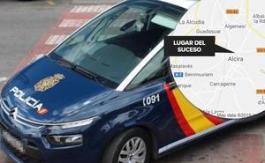 Detenido en Alzira tras supuestamente incendiar el coche de su hija