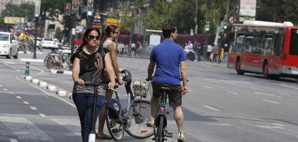 Tráfico reduce la velocidad máxima permitida a los patinetes en las ciudades