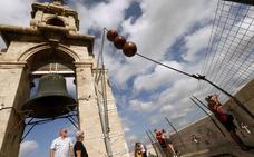 Un telégrafo óptico portuario de hace 180 años se instala en lo alto del Micalet