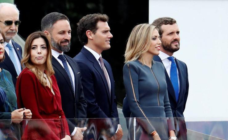 Políticos y autoridades asisten al desfile de la Fiesta Nacional de 2019