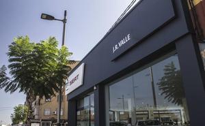 JR Valle da un nuevo impulso a Seat en la ciudad de Torrent