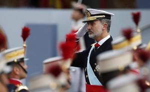 Aplausos al Rey y algunos abucheos a Pedro Sánchez en el desfile de la Fiesta Nacional