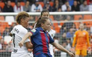 Nada frena al fútbol femenino