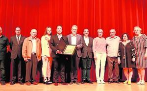 La Societat Joventut Musical de Albal recibe el premio honorífico por sus 90 años de vida