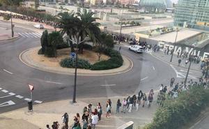 Largas colas en Feria Valencia para el casting de 'Operación Triunfo'