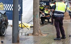 Un hombre muere al ser arrollado por un coche que huía de la policía en la Malvarrosa