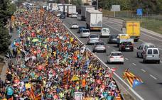 Los camioneros valencianos paran su actividad por miedo a sufrir sabotajes
