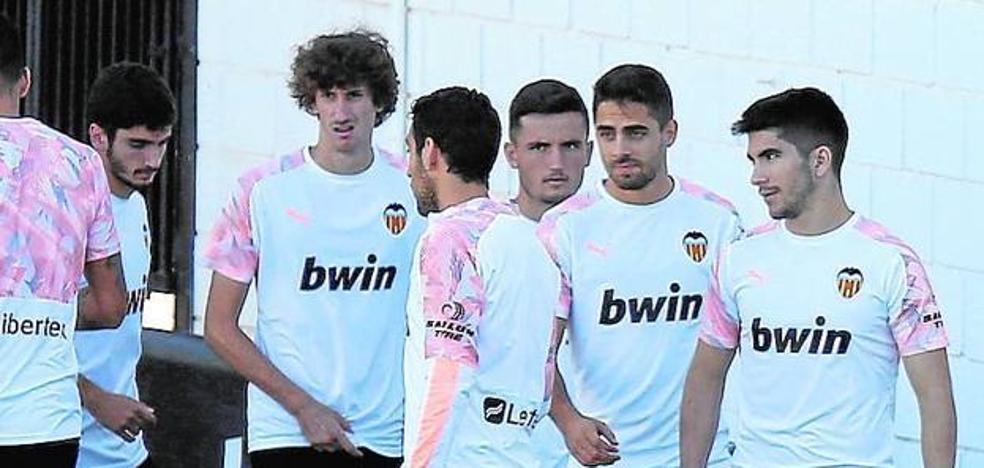 Con Soler para el Wanda pero sin Rodrigo, Guedes ni Gayà