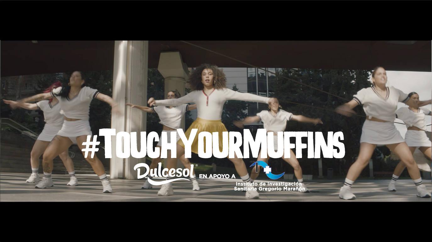 Una campaña de Dulcesol anima a las mujeres a realizarse una autoexploración de la mama
