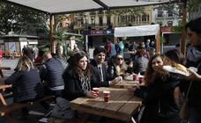 Un día de actividades para toda la familia en la plaza del Ayuntamiento de Valencia