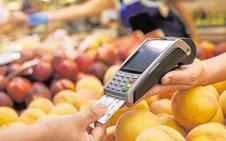 El interés de las tarjetas de pago aplazado, intacto en el 20% a pesar de la caída de tipos
