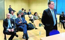 Las autoinculpaciones de Parra por Banco de Valencia alarman a sus compañeros de banquillo