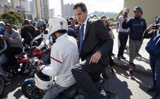 Guaidó logra romper el cerco de Maduro