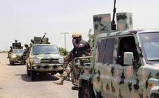 31 militares y más de 80 milicianos muertos en un ataque contra una base militar en Níger
