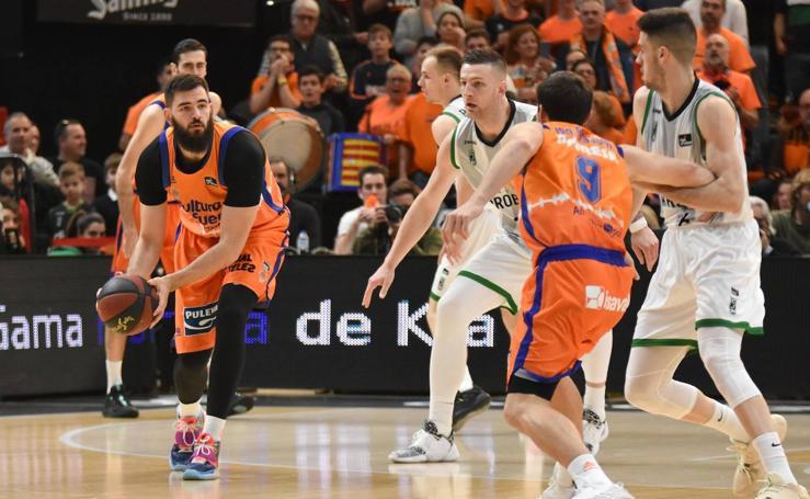 El Valencia Basket-Joventut, en imágenes