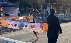 Quién es Rhonex Kipruto, récord mundial de 10.000 metros en ruta