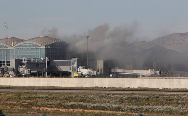 Incendio en el aeropuerto de Alicante-Elche