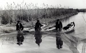 Pesca artesanal en el lago