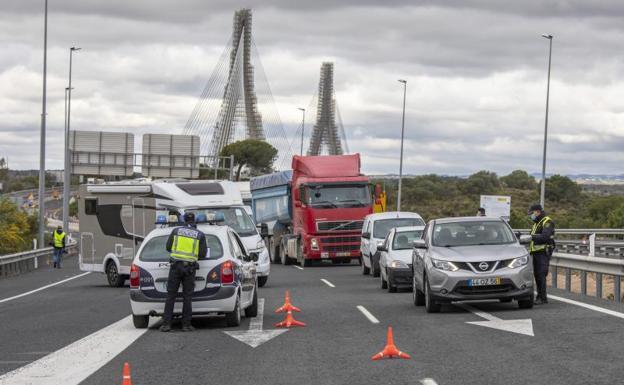 Interior anuncia más controles aleatorios en carreteras para evitar desplazamientos a segundas residencias